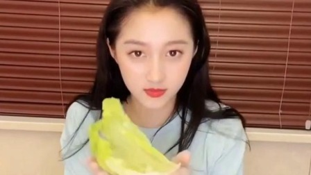 鹿晗有福气 关晓彤公开蔬菜三明治教程 原来ta就是灵魂!
