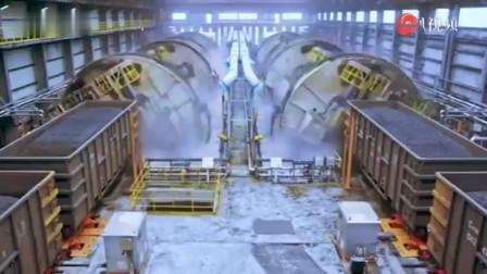 震撼实拍!中国万吨级火车卸货 网友:像科幻片