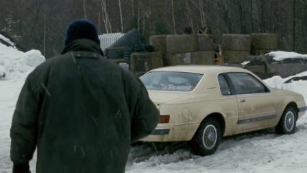 男子发现一辆古怪车子,靠近看了眼,却让他陷入可怕噩梦中