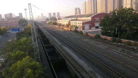(天津市东兴路)Z11次通过。