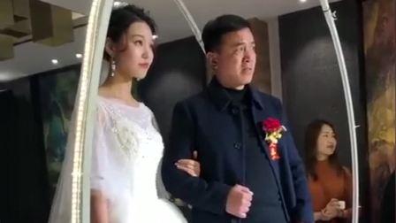 是我见过最不淡定的新娘父亲