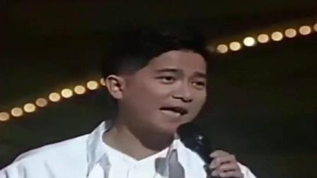 1991年陈百强现场演唱《夜的心》,丹尼是真的帅!