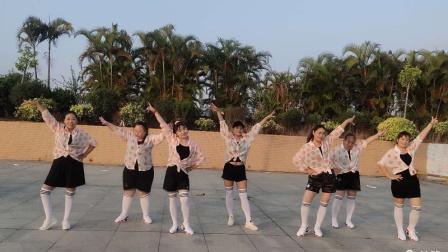 舞乐乐广场舞《家在御江南》3