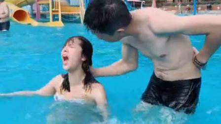 求游泳教练的心理阴影面积!