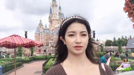第一次去迪士尼乐园,维吾尔姑娘仿佛置身童话世界,玩得太嗨了