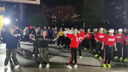 霍邱城南公园曳步舞互动交流视频剪辑
