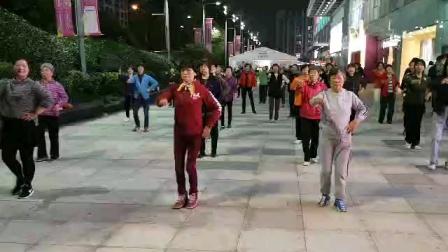 (25)广场舞《我狠我心痴》万达广场舞友刚学,试着跳强记。徐淡吟老師🌹🌴💄💐