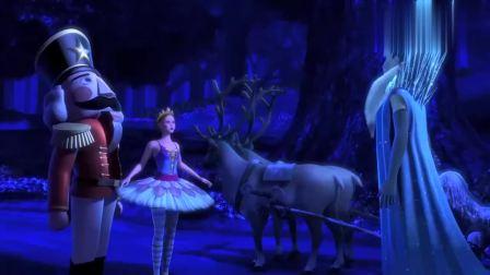 芭比之粉红舞鞋:小女孩不听冰雪女王的话,被她变成了冰雕