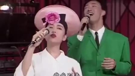 张秀清与费玉清模仿PK 两大歌手玩开了太好笑了