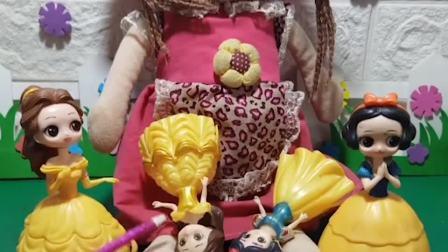 小精灵抓了小白雪和小贝儿,白雪和贝儿都想救自己的孩子,你会帮助谁呢