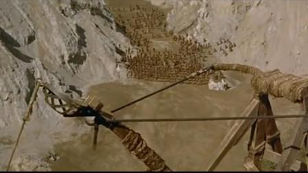 敌方骑兵来势汹汹,却遭到投石车的杀伤,伤亡惨重