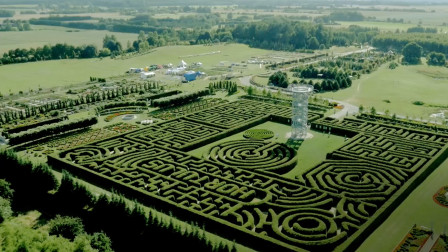 在波兰Dobrzyca的Hortulus Spectabilis艺园探索欧洲最大的迷宫