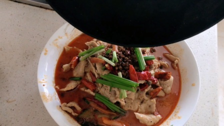 小轩点餐之水煮肉片,刀工不好的轩妈依然选择了挑战,真的成功了