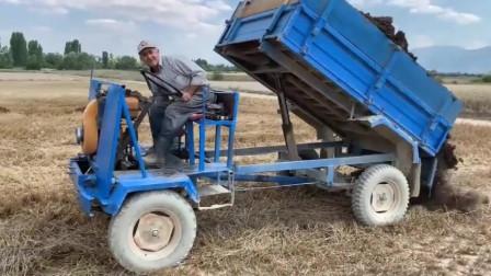 """俄罗斯农民大叔的拖拉机,人称""""四不像"""",看上去很高级"""