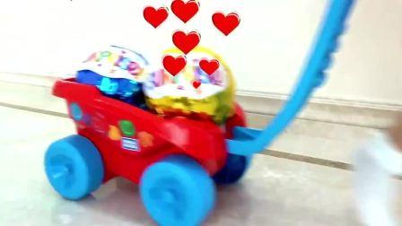 萌宝的玩具里面有什么好玩的,来看看呀