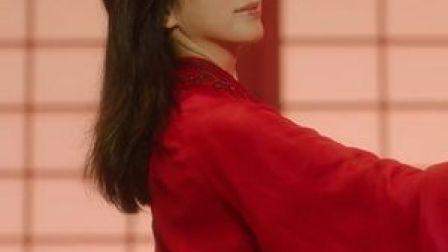 《衣尚中国》总宣传片来啦! #央视综艺11月7日晚七点档,让我们一起打开这座关于中国服饰的美学宝库!