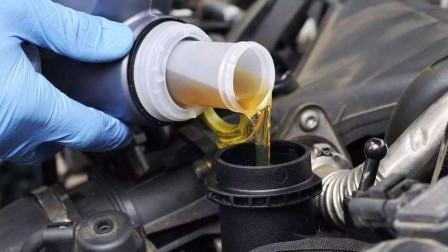 5000公里换一次机油的司机被骗了多少钱?机油多久换一次才不伤车?