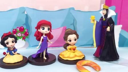 童话故事玩具:一根棒棒糖怎么会无缘无故消失呢?白雪公主的棒棒糖去哪了?