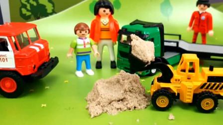 汽车玩具视频 工人们去干活的路上出现了意外