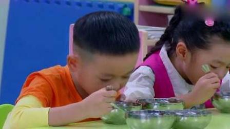 新大头儿子:大头把同学剩饭吃了,肚子太撑,结果妈妈做了大餐