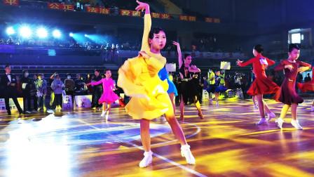 中国湖南2020中顺洁柔杯国际标准舞公开赛半决赛现场