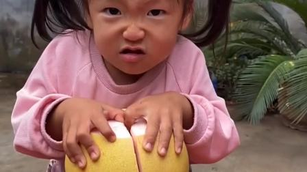 童年趣事:宝贝打不开柚子怎么办