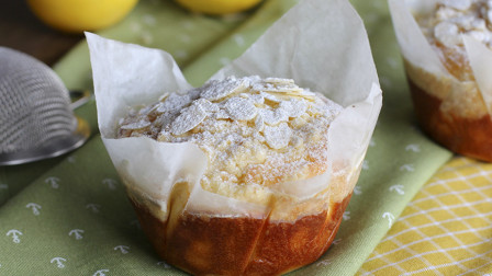 酸酸甜甜、奶香十足的柠檬酥顶玛芬