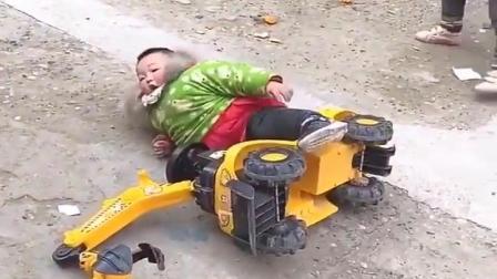 美丽的童年:一人摔倒众人帮