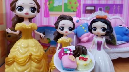 白雪公主故事 白雪家分享蛋糕给贝儿家,贝儿家回赠汉堡!