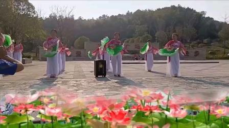 华容广厦社区姐妹健身舞蹈队