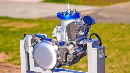组装250排量越野摩托发动机,手法认真细致,组装这才叫专业