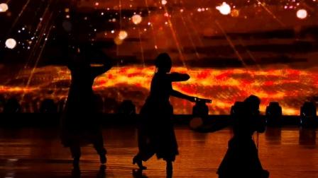 民舞荟萃《民族大团结》表演者:阳泉艺校舞蹈、社文专业师生  指导教师:刘蓉、王文杰