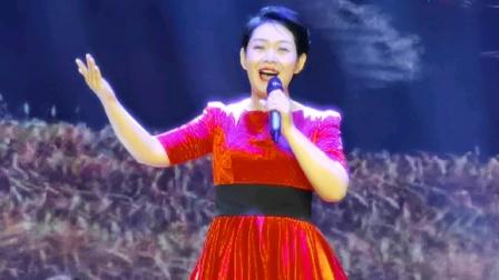 女声独唱《领航新时代》表演者:梁琴