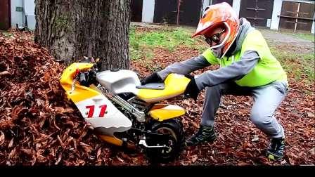 儿童亲子互动,小帅哥骑摩托车,真有趣呀