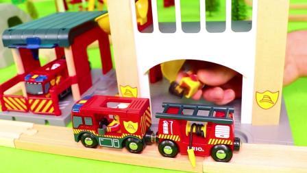 乐高玩具:汪汪队立大功的毛毛模拟消防员是如何灭火的