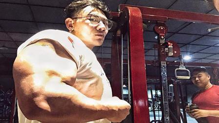 来自亚洲的3大肌肉巨兽,体型堪比施瓦辛格,长的一个比一个帅!