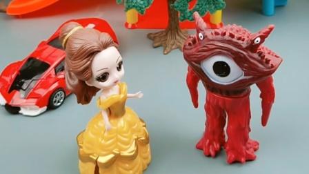 乔治和光头强都觉得贝儿不好看,只有怪兽不一样