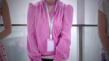 新员工强制要求女职员化妆并衣着华丽,老员工又躺枪了