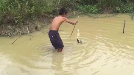 钓鱼的绝技,只要一小会儿就有大鱼上钩