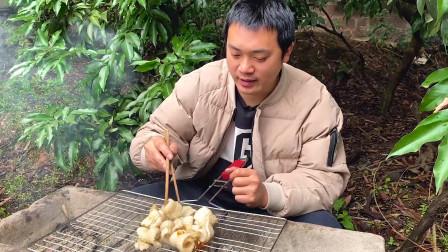 """估测非凡多人都没吃过的""""猪天梯"""",烤着吃,这真是人间美味"""