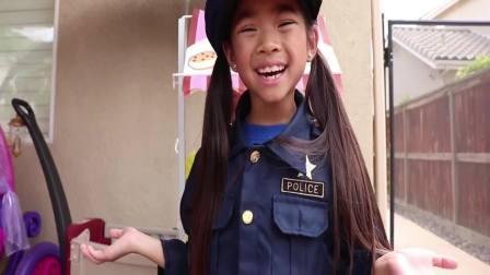 美国时尚儿童,小萝莉扮警察帮助别人,真的太厉害了
