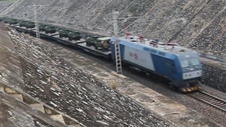 HXD1C0457牵引91219次列车驶入搓路隧道