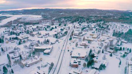 在芬兰北极圈拉贝兰的佩洛体验过圣诞节