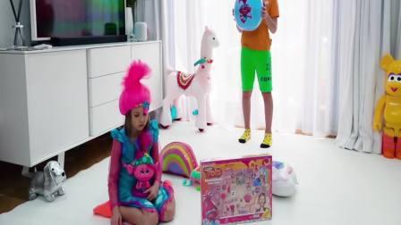 美国时尚儿童,小萝莉和哥哥一起玩惊喜彩蛋,真可爱
