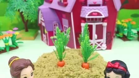亲子有趣幼教动画:贝儿想种宝石,还不相信白雪的话
