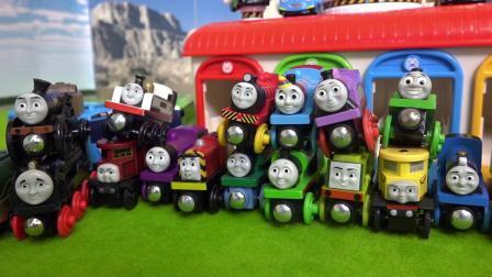 儿童玩具小火车聚会开始了