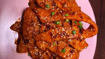 大厨教你用剩米饭做辣条,和小时候吃的辣条一个味道,越吃越香