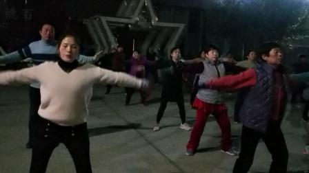 夏津德百舞起来健身队每天坚持锻炼身体