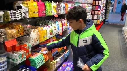 儿童亲子互动,杰森去杂货店买食物回家吃!快来看看吧