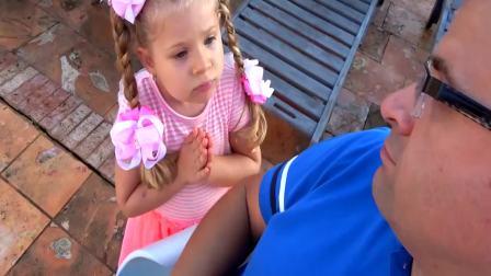 国外萌宝时尚:小女孩想出去玩,爸爸是怎么做的呢